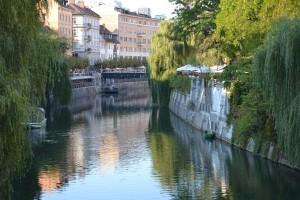 la rivière Ljubljanica qui traverse la ville