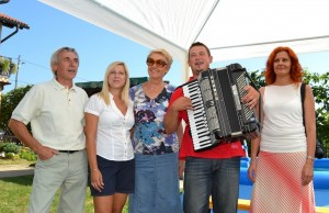 Marko Cesar et sa famille, avec notre guide Jana au centre et Jasna à droite qui a organisé notre voyage